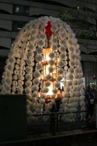 西武百貨店池袋店と万燈(2010年10月18日)