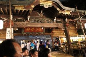 鬼子母神堂への参拝(2010年10月18日撮影)