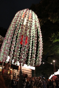 鬼子母神堂前の万燈(2010年10月18日撮影)