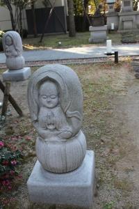 地蔵の彫刻(2011年1月4日撮影)