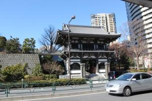 青松寺現山門(2011年1月31日撮影)