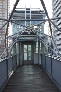 愛宕山エレベーター入口(2011年1月4日撮影)