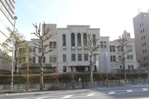 東京慈恵会医科大学病院(2011年1月4日撮影)