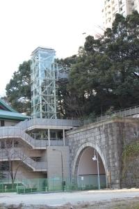 愛宕山エレベーター(2011年1月4日撮影)