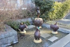 誕生仏の噴水ー「桜川」の水源(2011年1月31日撮影)