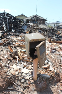 いわき市久之浜地区の焼けた郵便ポスト