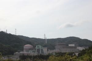 敦賀原発と「ふげん」(左が敦賀原発1号機、中央が2号機、右が「ふげん」)