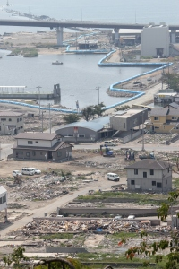 日和山より門脇町・南浜町方面をみる(2011年7月26日)