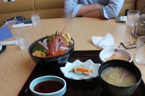 お魚いちばの港町丼(2011年7月27日)