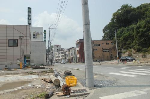 岩手銀行気仙沼支店周辺(2011年7月27日)