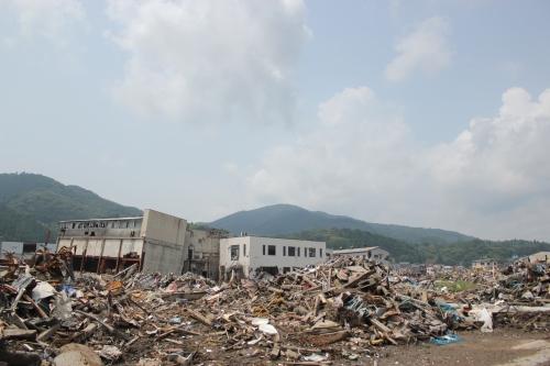 気仙沼市市街地北部の津波被災地⑥(2011年7月27日)