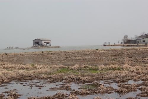 水に浸かった集落(2012年4月25日撮影)