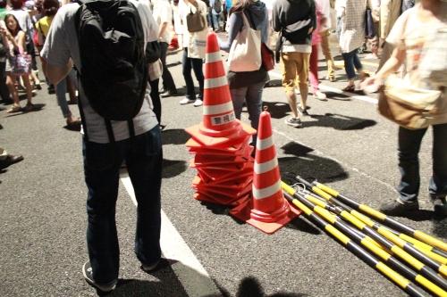 警察が置いていった三角コーン(2012年6月29日)