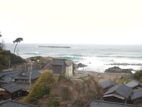福井市鷹巣地区の海岸(2012年11月13日)