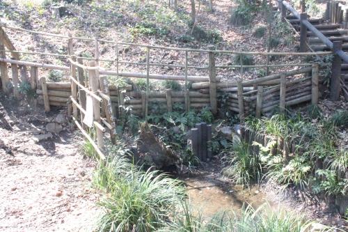 清水山憩いの森の湧水(2014年3月31日撮影)