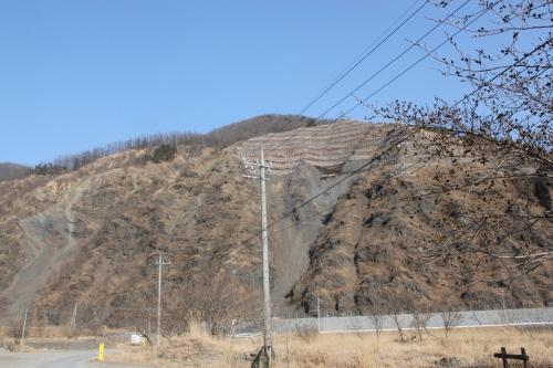 足尾周辺の山々の緑化と斜面崩壊(2016年2月27日)